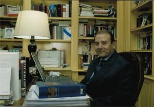 Julio Burdiel Hernández, notario jubilado, fue Director General de los Registros y el Notariado.