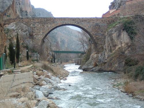 Arnedillo (La Rioja). Puente sobre el Cidacos. Por Muro de Agua.