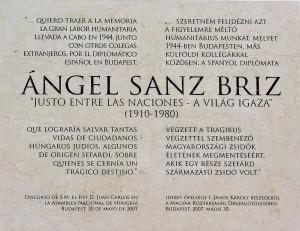 Placa en la Embajada de España en Budapest (Hungría) en honor al Diplomático Ángel Sanz Briz. By Csurla