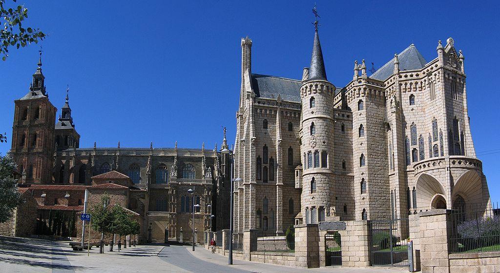 Catedral y Palacio Episcopal de Gaudí. Astorga (León)