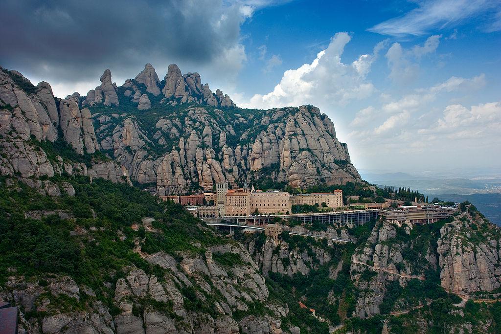 Monasterio de Montserrat (Cataluña). Por Mikipons.