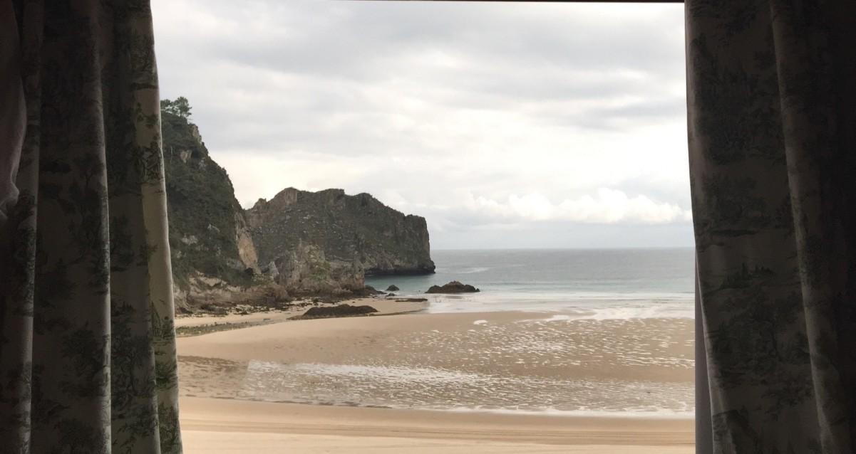 Ribadedeva asturias playa de la franca notarios y for Oficina ota bilbao