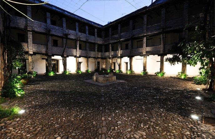 Granada. Corral del Carbón. Granadatur.com