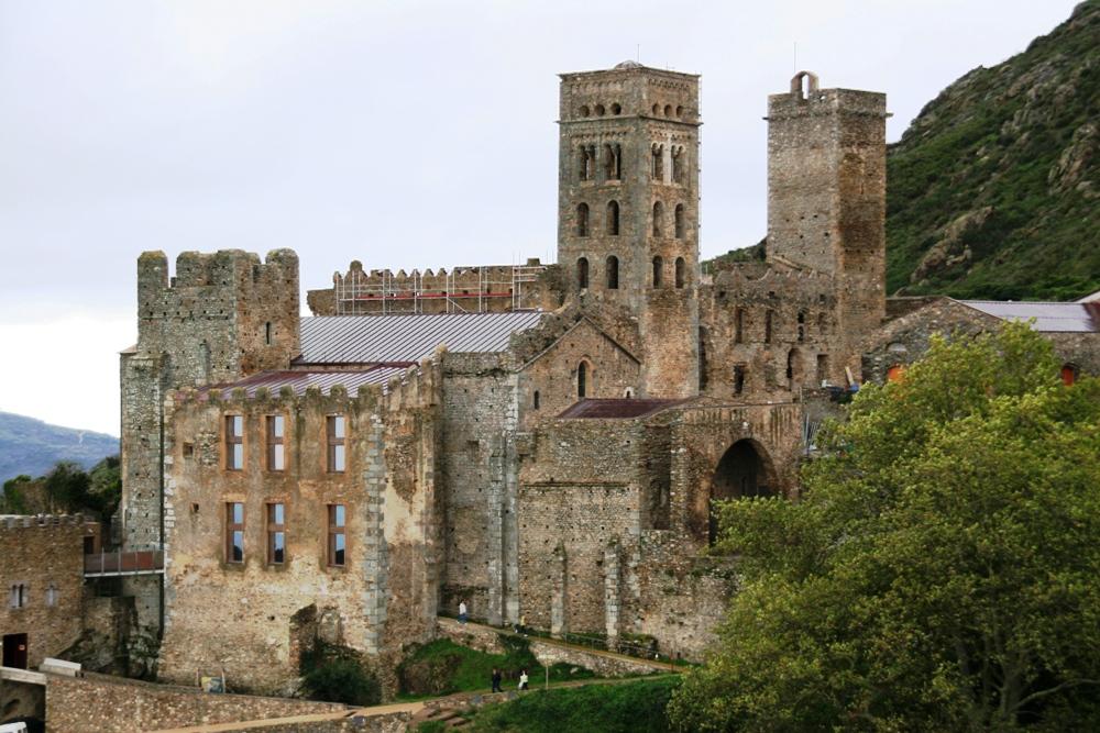 Monasterio de Sant Pere de Rodes en Puerto de la Selva (Girona). Por Pixel