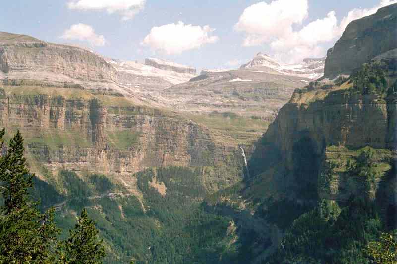 Circo de Cotatuero en el Parque Nacional de Ordesa (Huesca). Por Jsanchezes