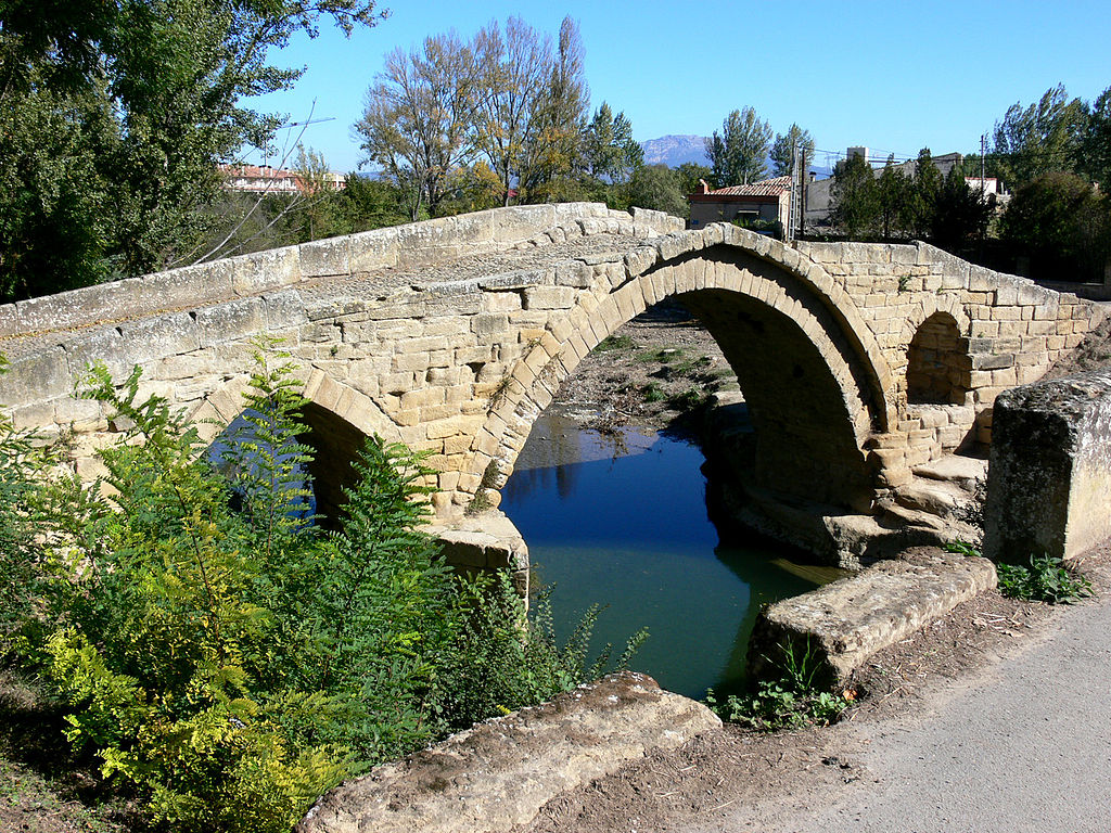 Puente antiguo de Cihuri (La Rioja). Por Pigmentoazul