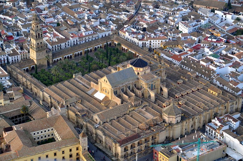 Mezquita Catedral de Córdoba, vista desde el aire. Por Toni Castillo Quero