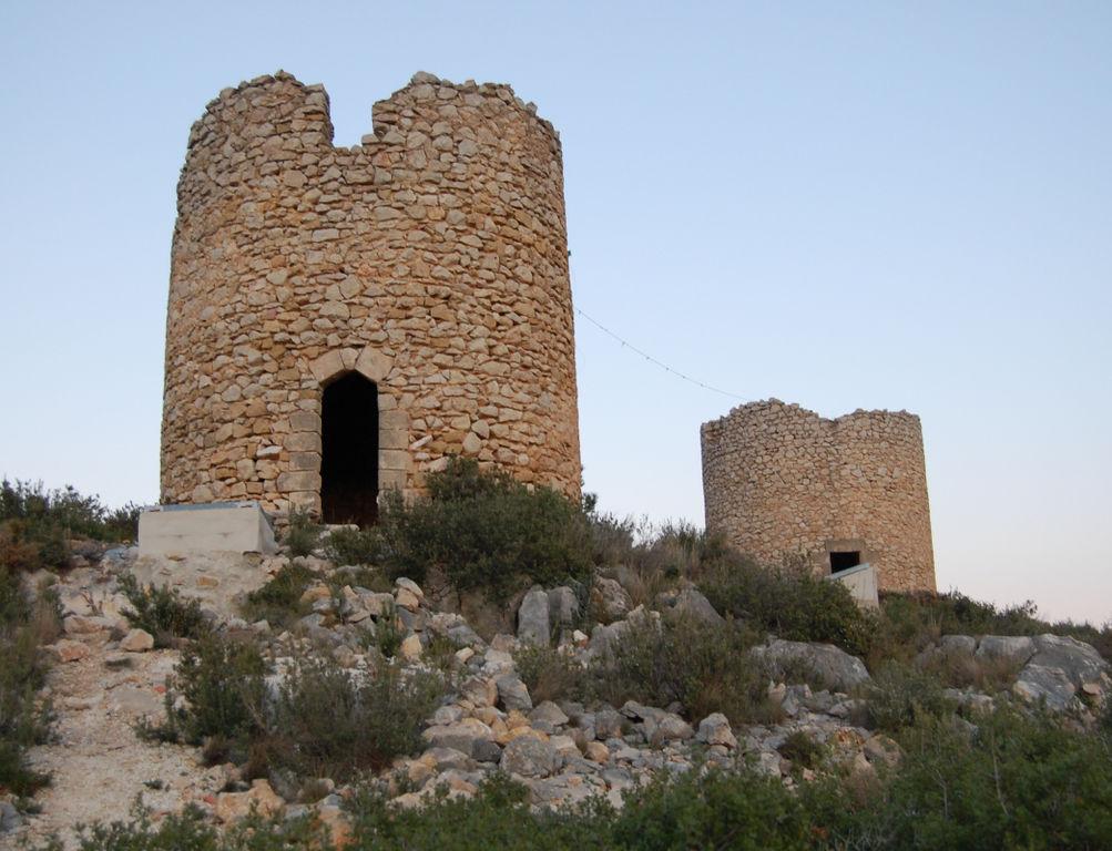 Molinets del siglo XIX en Pedreguer (Alicante).