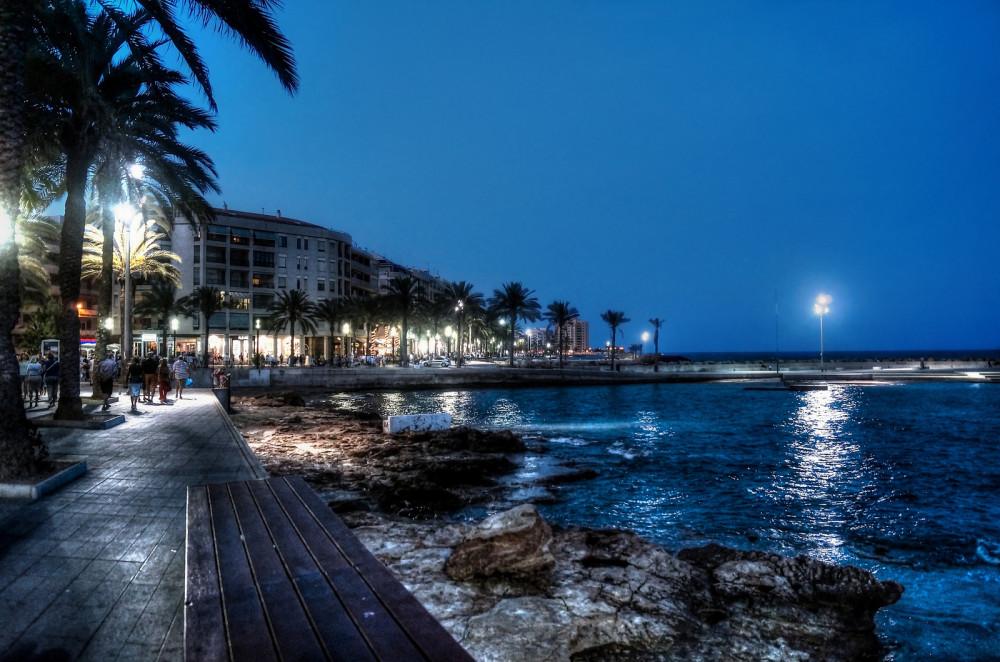 Paseo Marítimo de Torrevieja (Alicante). Por Jose M Martin Jiménez.