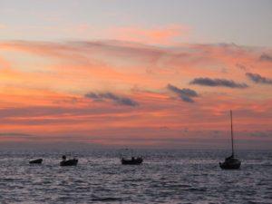 Atardecer desde la playa de Las Canteras (Las Palmas de Gran Canaria). Por El coleccionista de instantes.