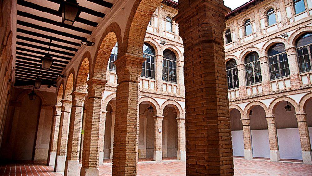 Alzira valencia escuelas pias notarios y registradores for Oficina ota bilbao