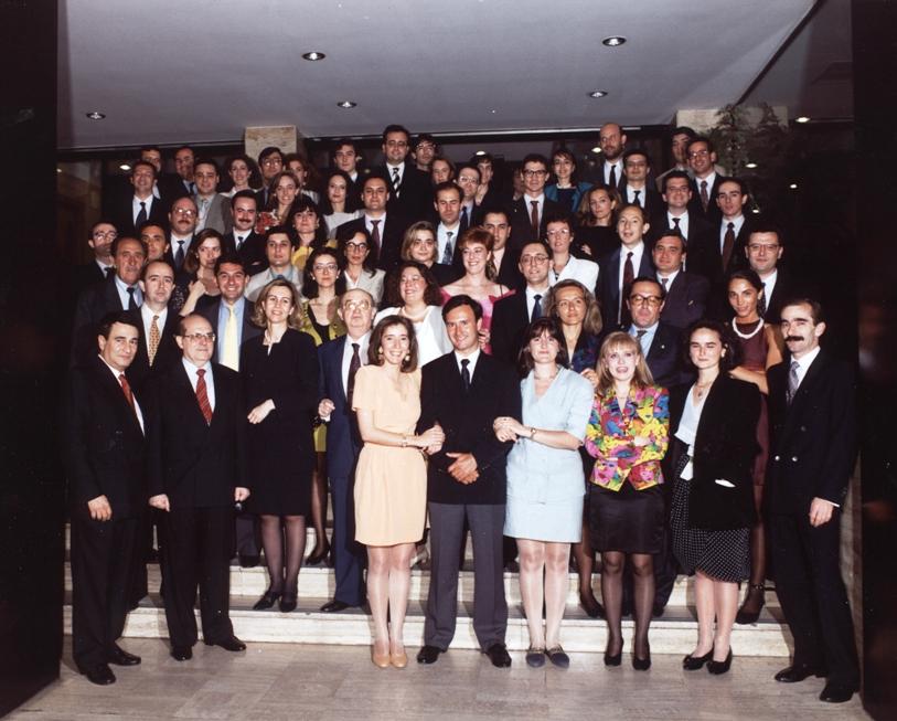 Registradores: Promoción 1993. Cuerpo de Aspirantes con los miembros de los Tribunales.