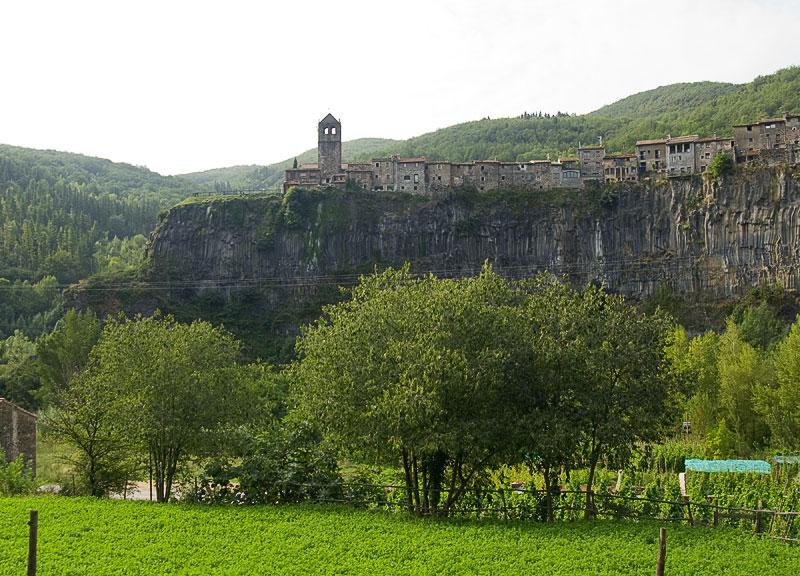 Castellfollit de la Roca (Girona).