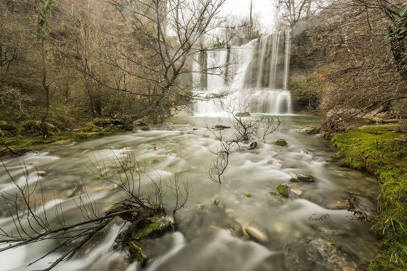 Cascada. Por Vicente Quintanal.