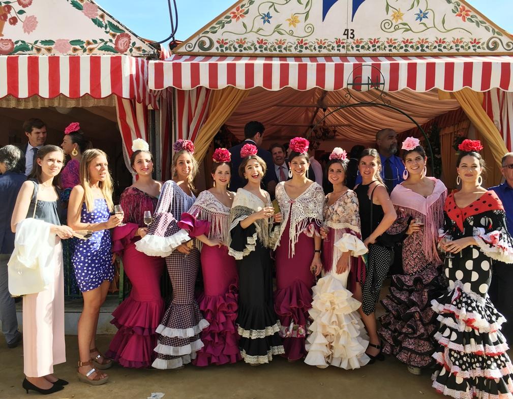 Feria de Abril de Sevilla. Once Registradoras en el Acto Institucional del Decanato del Colegio de Registradores.
