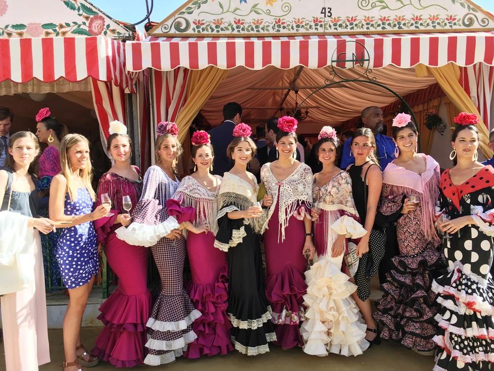 Feria de Abril de Sevilla. Once Registradoras en el Acto Institucional del Decanato del Colegio de Registradores de Andalucía