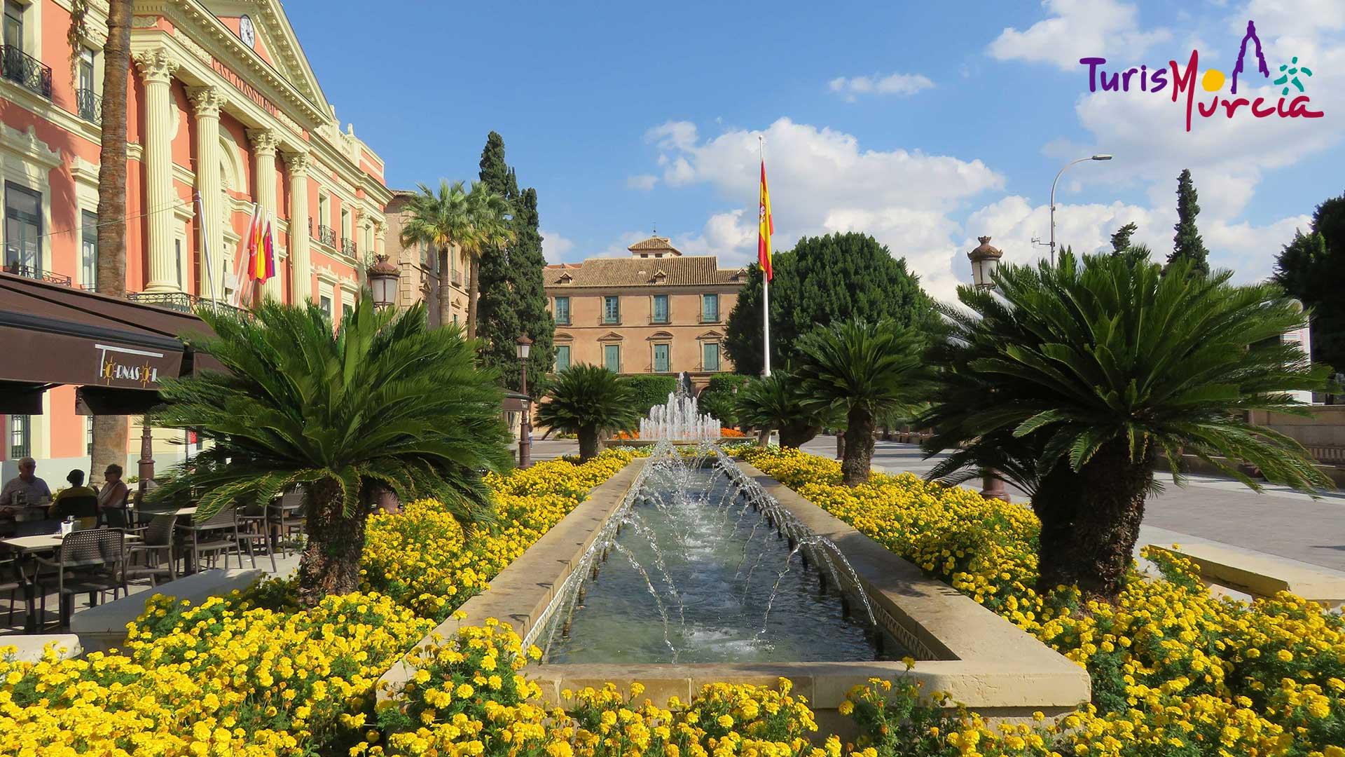 Glorieta de España y Ayuntamiento de Murcia